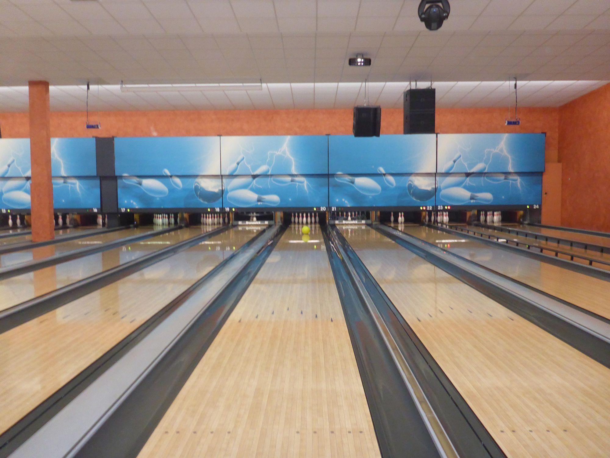 Allgemein Jugend Ausflug Bowling 01
