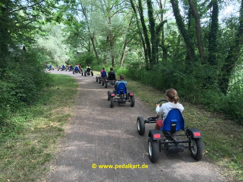 Kinder Ausflug Pedalkart 01